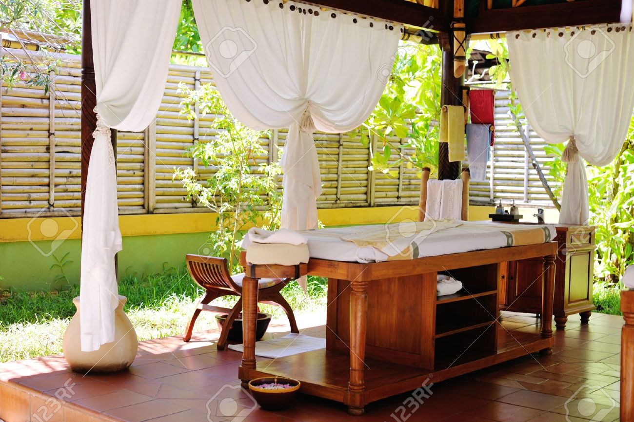 spa beauty and massage center indoors outdoor Stock Photo - 20590896