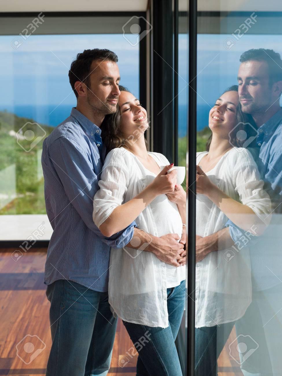 Romantische Glückliches Junges Paar Entspannen Im Modernen Zuhause