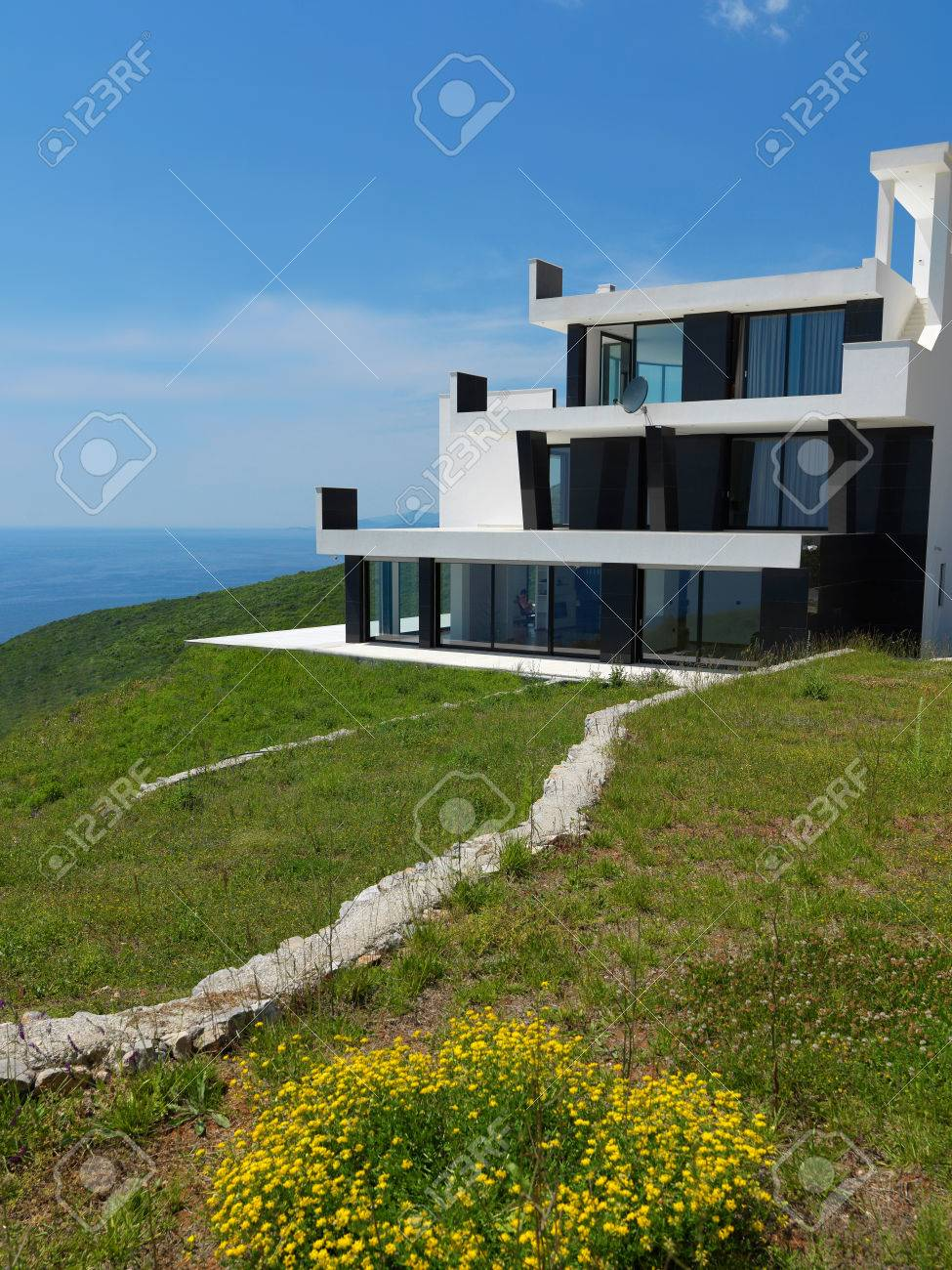 Vue Extérieure D\'une Maison Contemporaine Villa Moderne Banque D ...