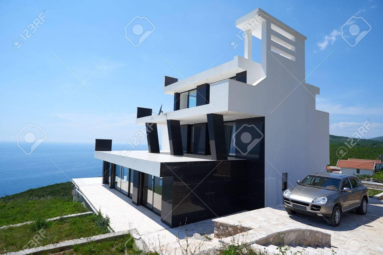 Vue De L Exterieur D Une Maison Villa Moderne Et Contemporain Au
