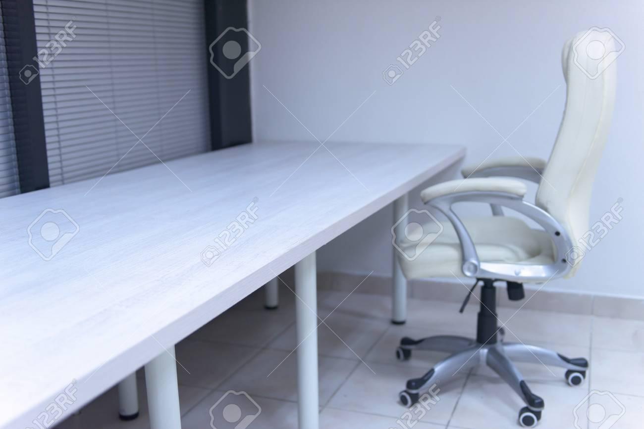 Blanc D'affaires Furiniture Chaise Moderne Vide Bureau Dans De L'espace Démarrage K13TlFJcu