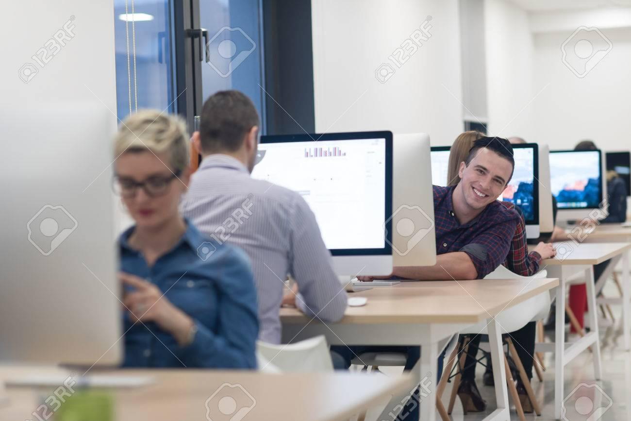 Agencement bureaux u toutes nos astuces pratiques pour vos espaces