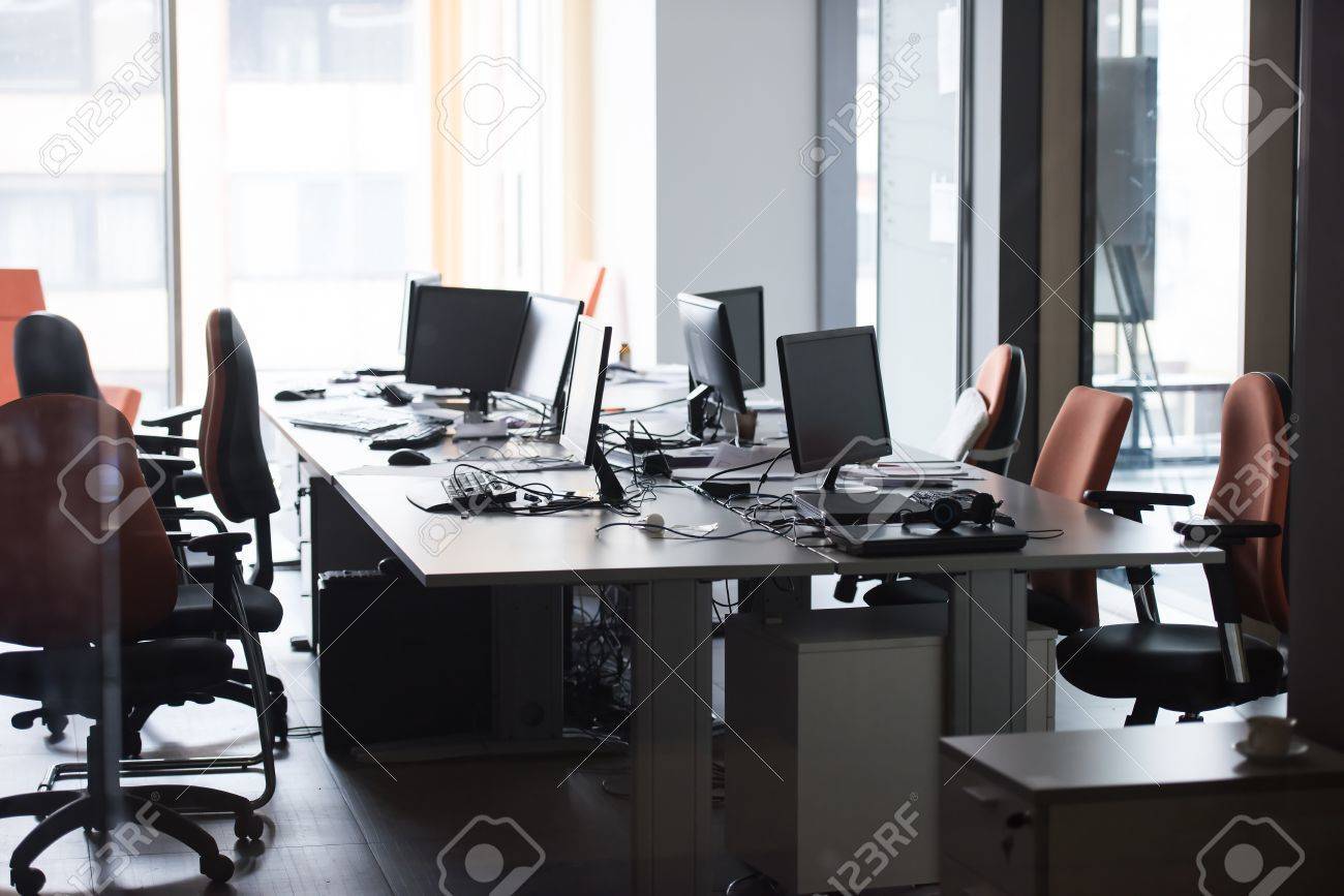 Empty Startup Office Interior With Modern Computers And Dual  # Muebles Deurope