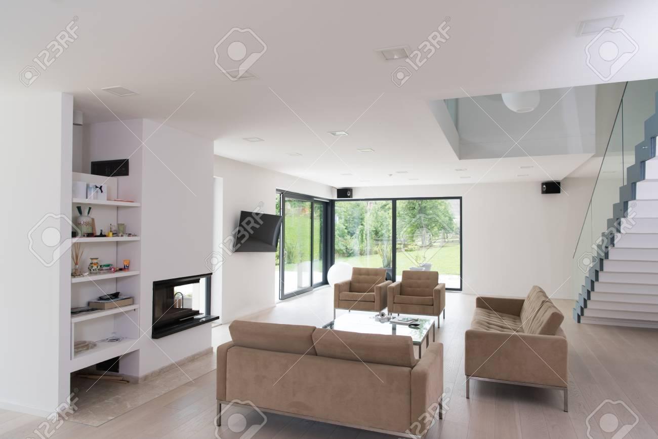 Architektur, Innenausstattung, Moderne Wohnung, Großes Wohnzimmer ...