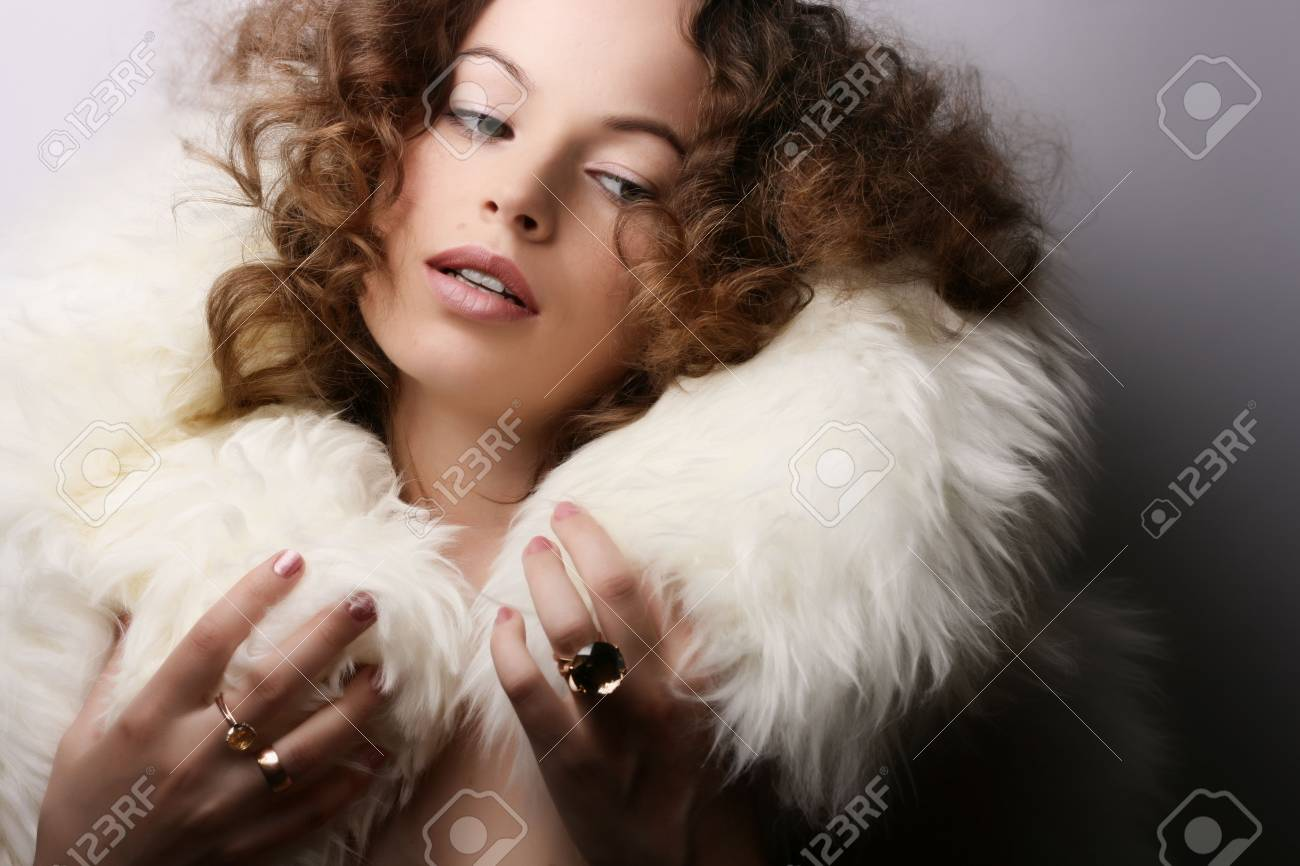 Jewelry and Beauty. Fashion art photo Stock Photo - 2813662