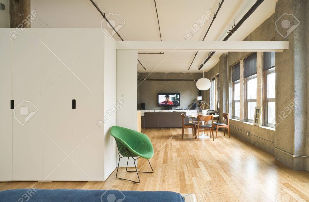 Intérieur De La Chambre à Coucher Style Moderne Avec Un Diviseur De ...
