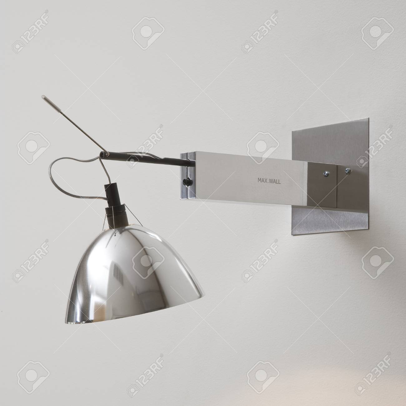 Exposed Wire Light Fixture - WIRE Center •