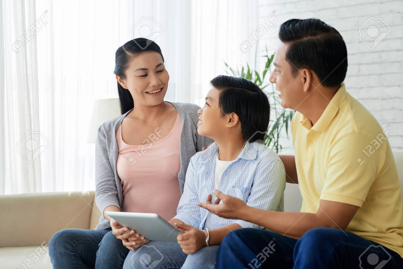 Family spending time together - 116458638