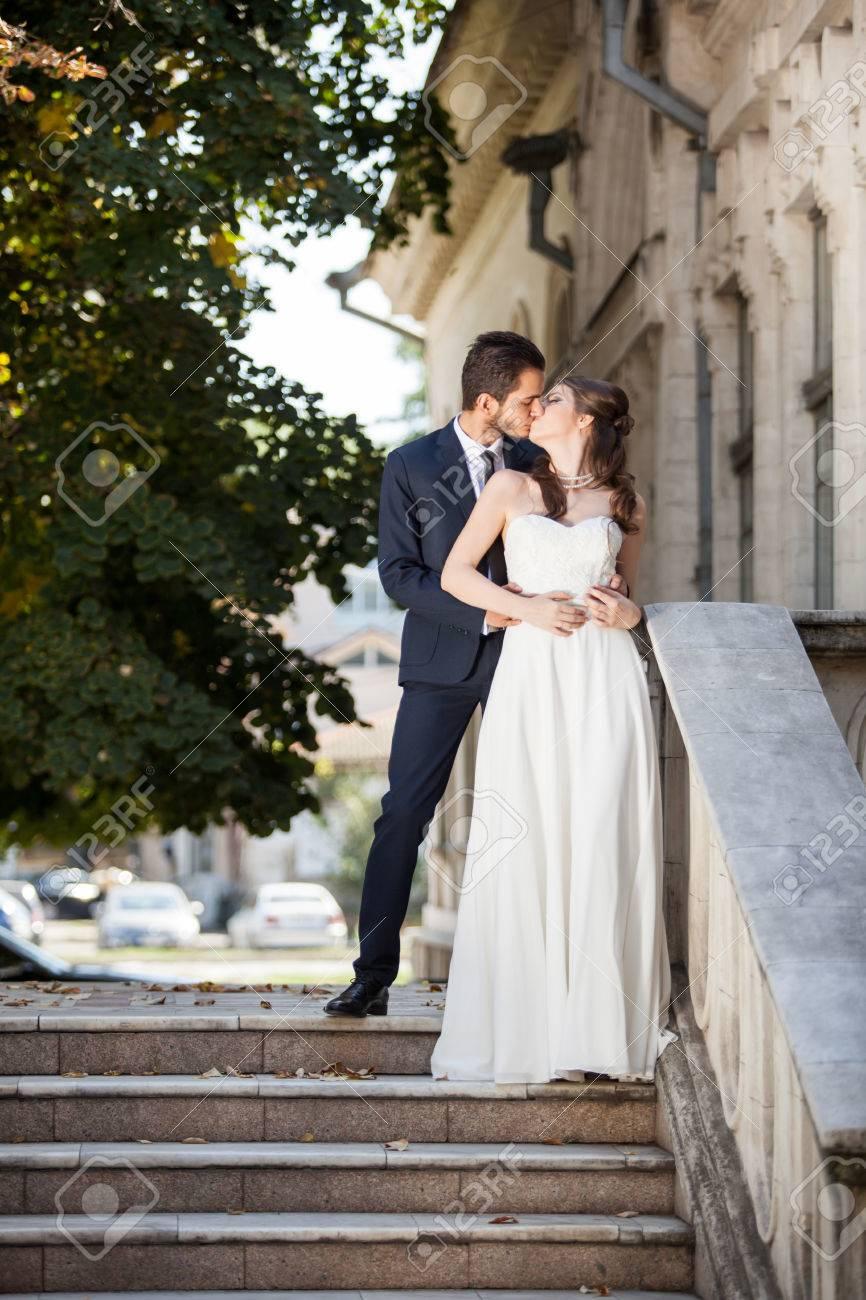 Immagini Stock Matrimonio Photosession Di Sposi In Città Fellings