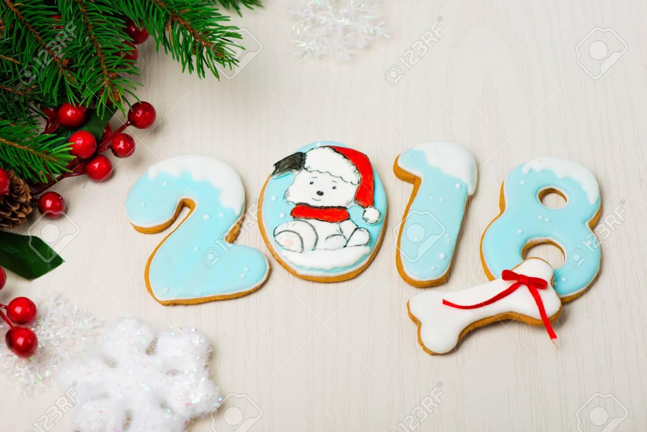 Fondo De Navidad Con Pan De Jengibre, árboles De Navidad Y Copos De ...