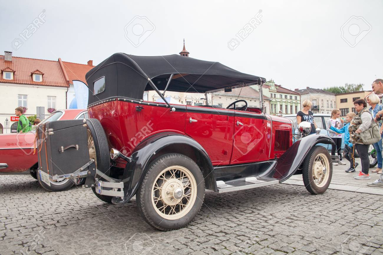 Ford, Front View, Retro Design Car. Exhibition Of Vintage Cars ...
