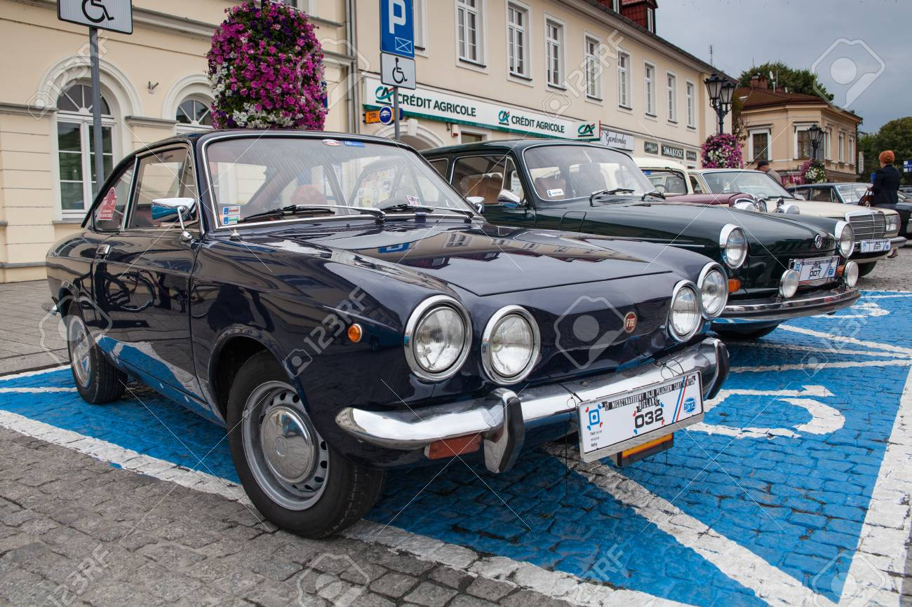 Fiat Sport 750, Side View, Retro Design Car. Exhibition Of Vintage ...