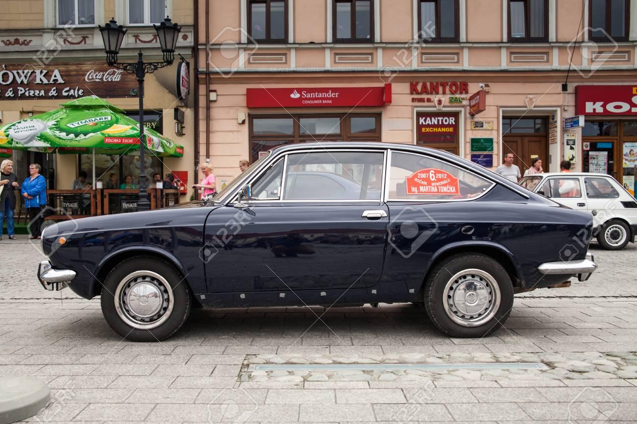 Fiat Sport 850, Side View, Retro Design Car. Exhibition Of Vintage ...