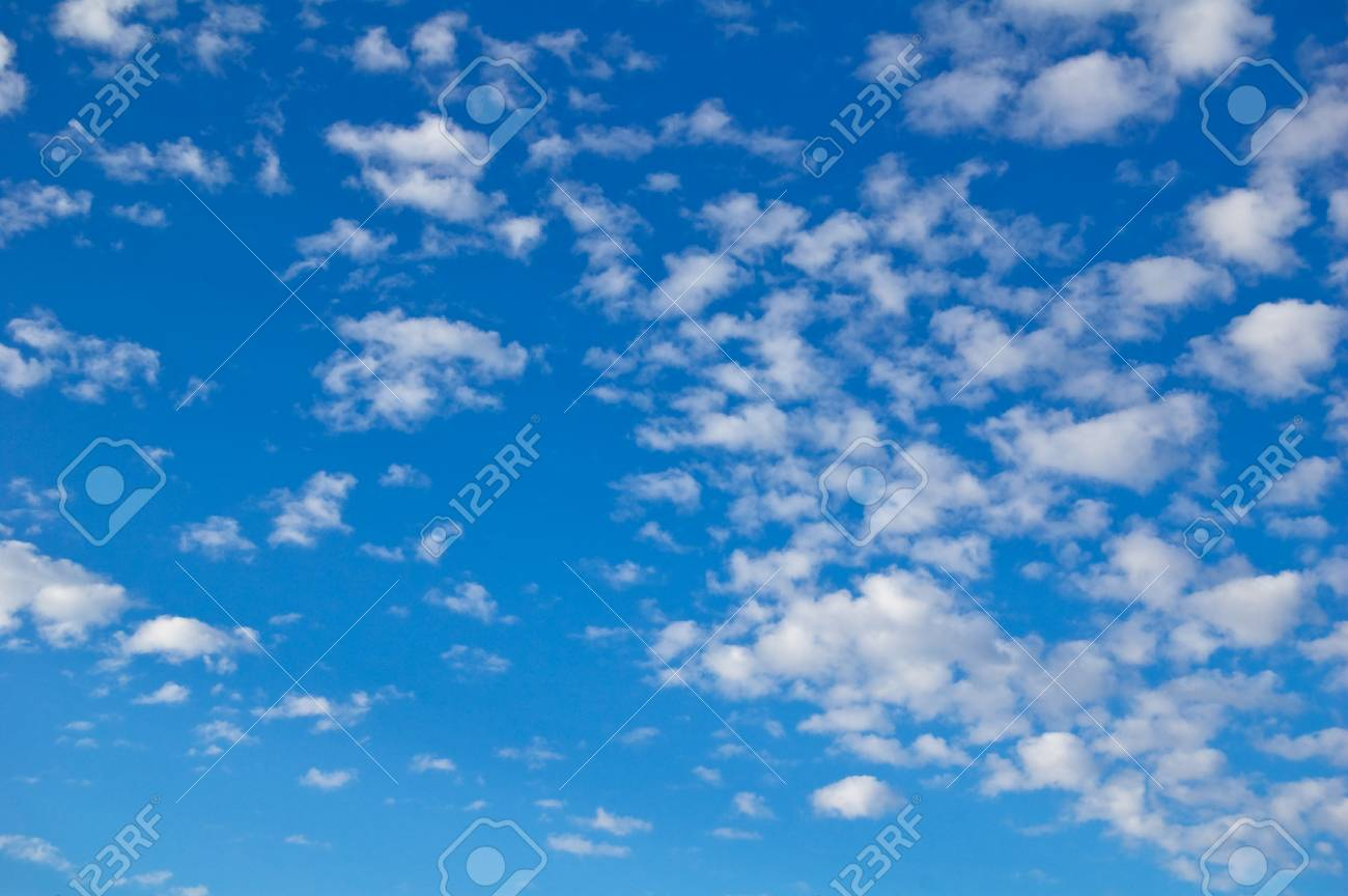Beautiful clouds in the blue sky. Stock Photo - 17945924