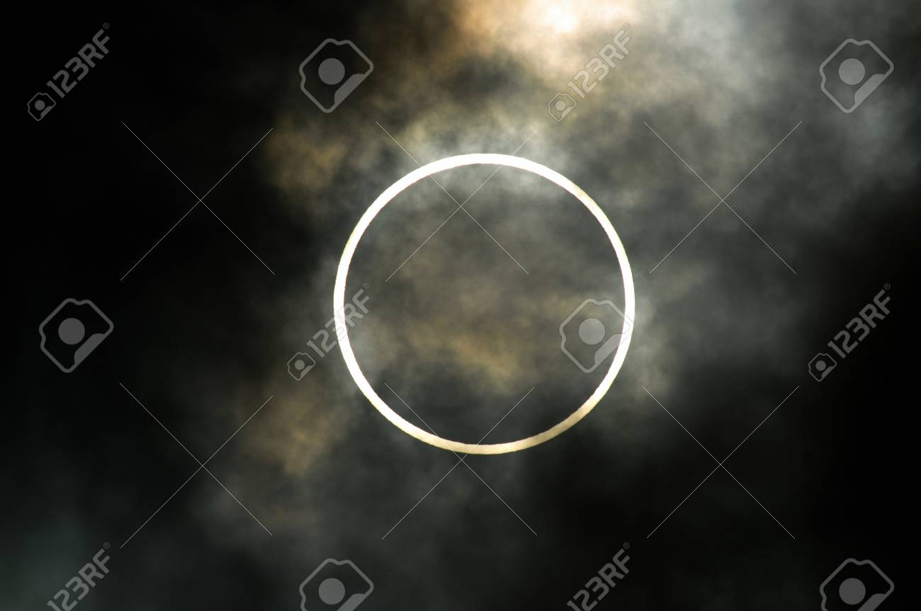 Total solar eclipse - 74911923