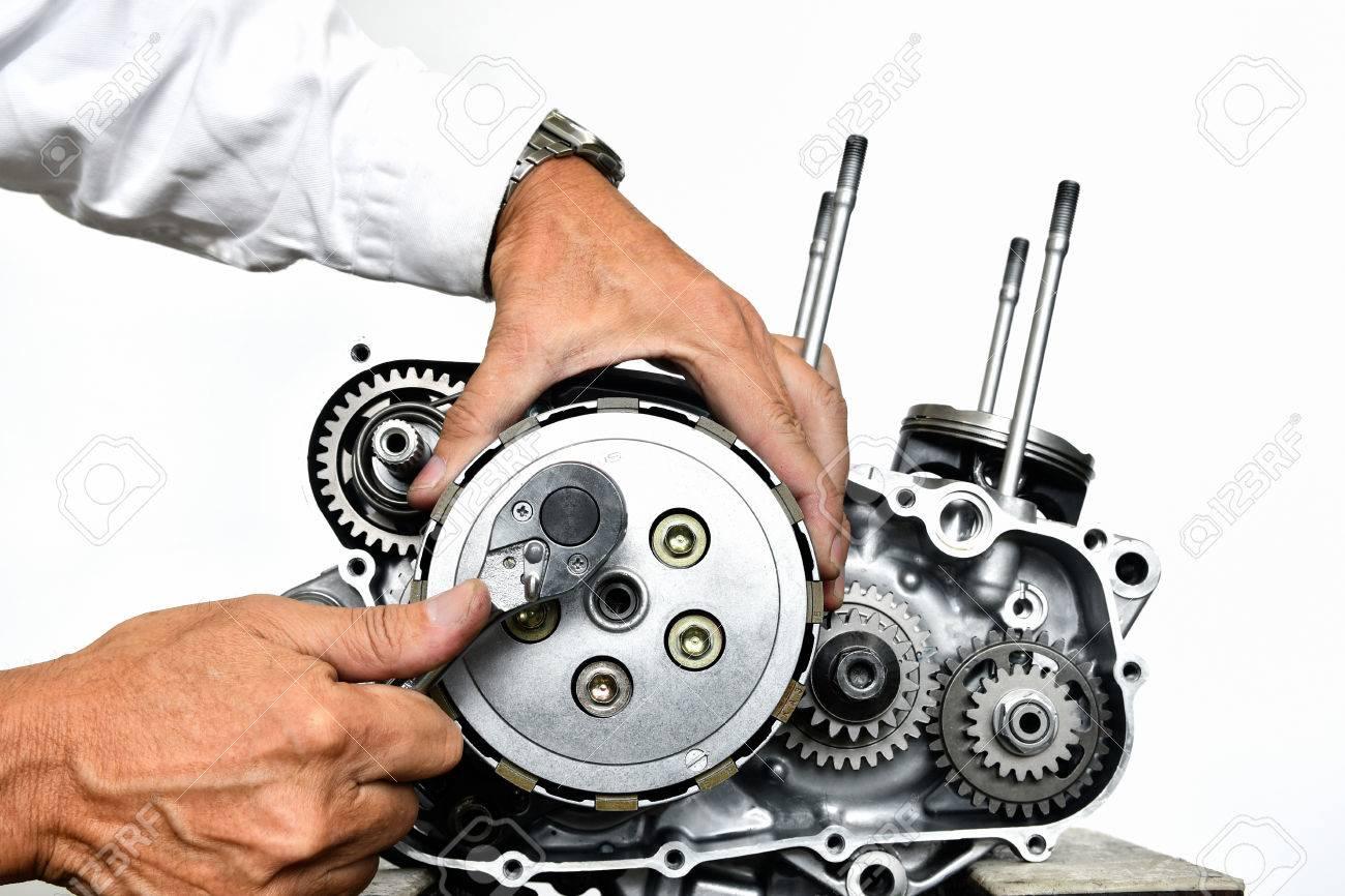 Improvement of motorcycle engine - 84316425