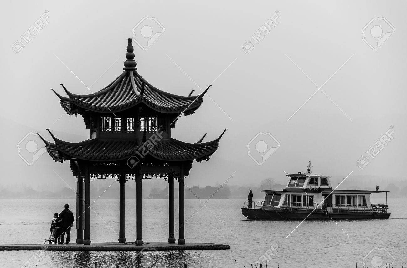 ancient pavilion on the west lake in hangzhou,China. Stock Photo - 15660038