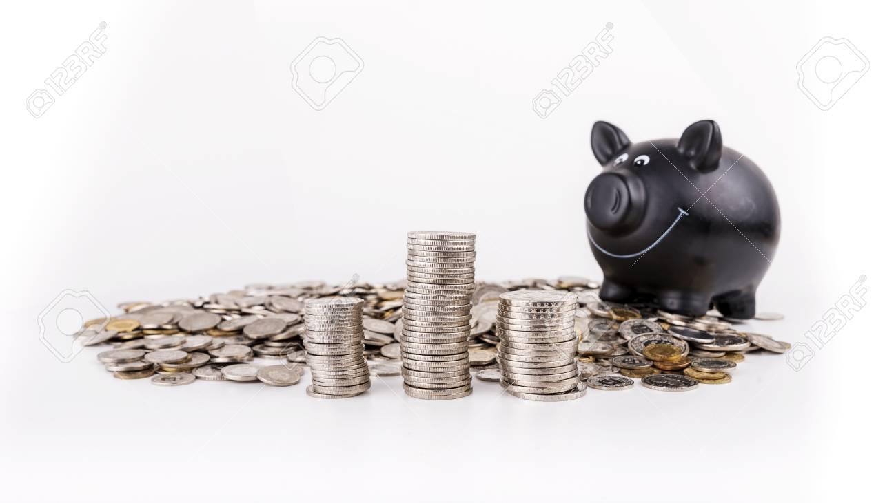 Schweizer Franken Münzen Gegen Weißen Hintergrund Mit Sparschwein