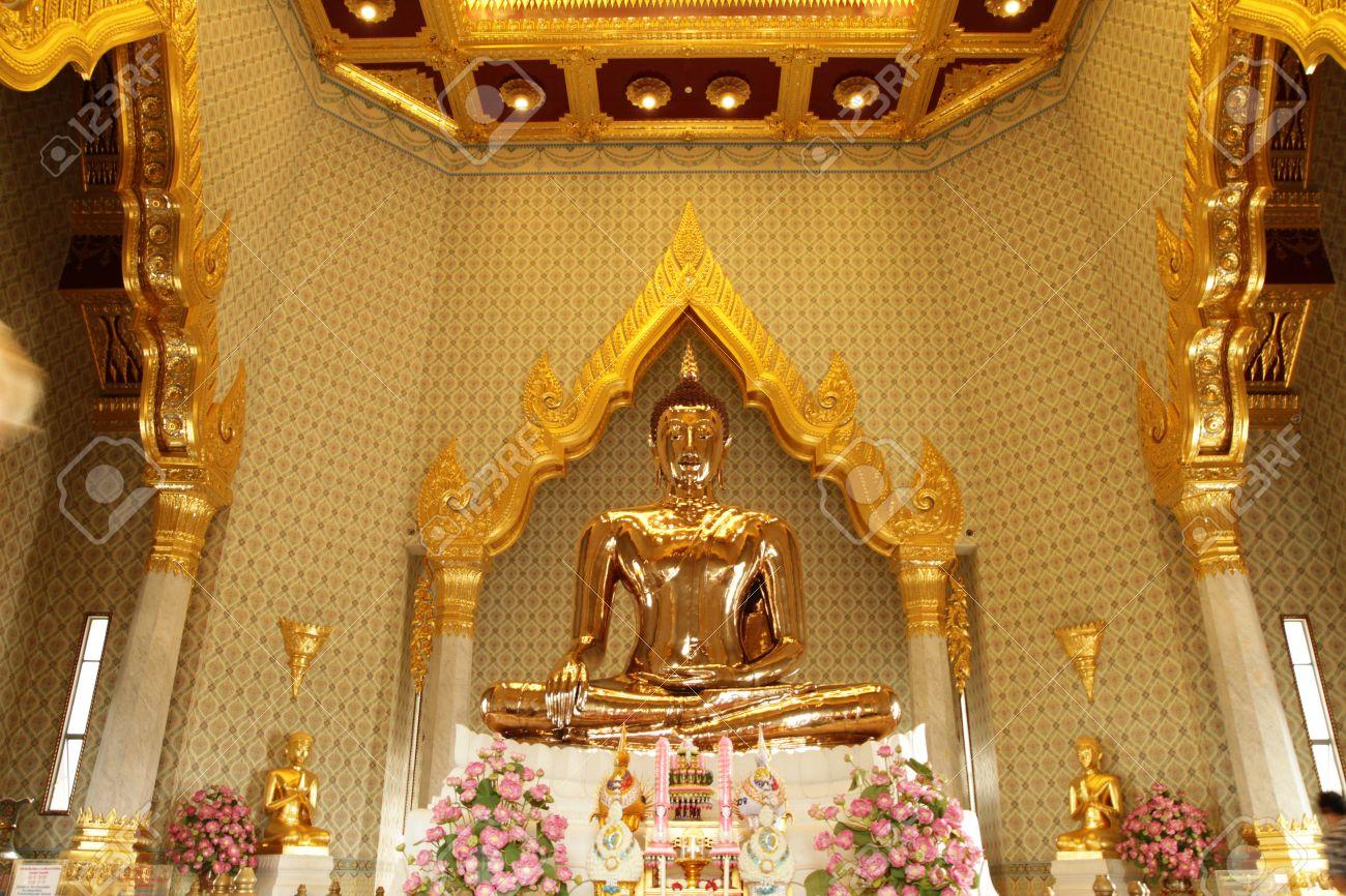 10711682 Solid gold Buddha famous Buddha statue at Wat Traimit Bangkok Thailand  Stock Photo - Thái Lan - Vùng Đất Của Những Ngôi Chùa