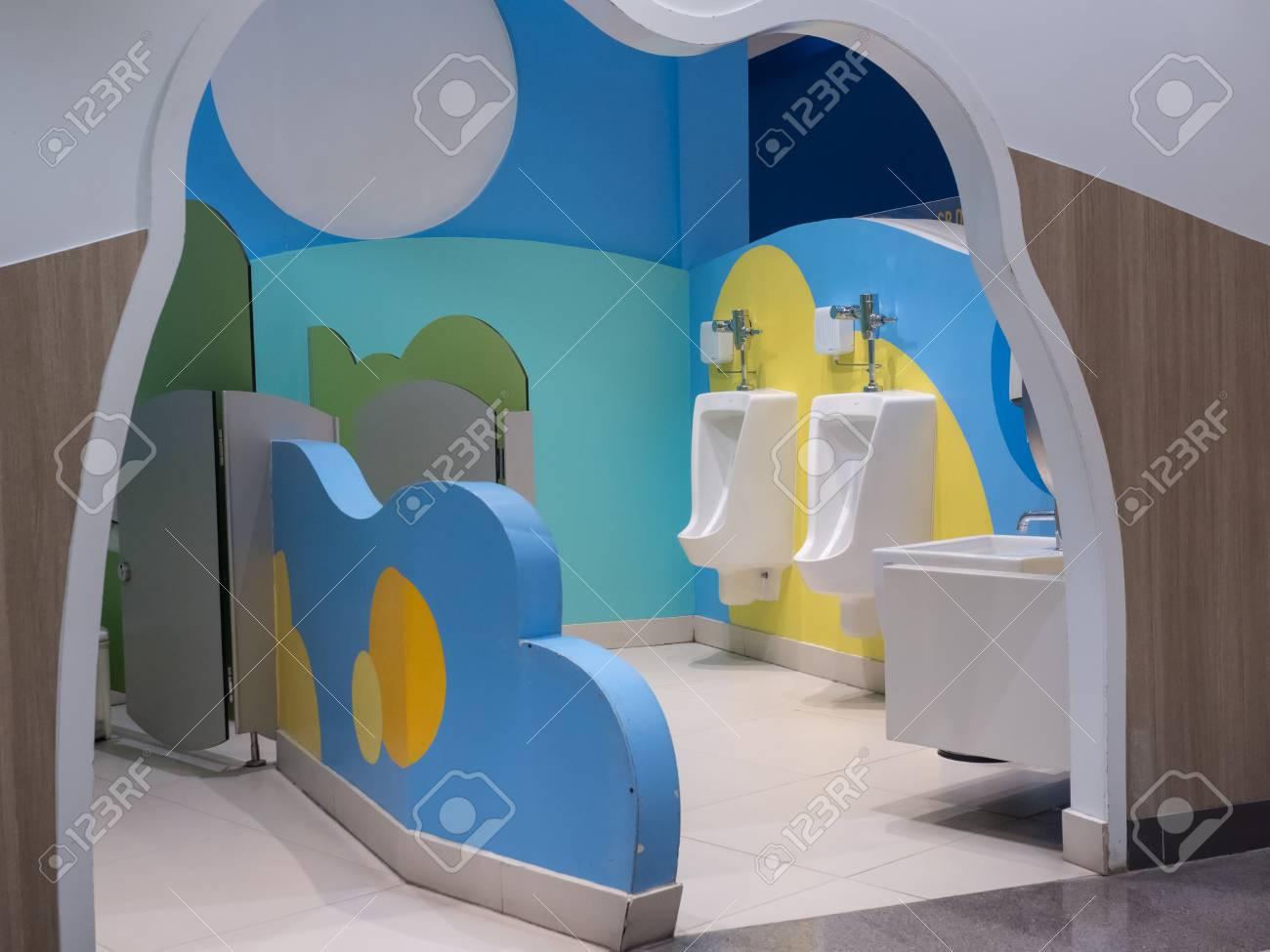 Decoración De Baño Para Niños Con Sytle Colorido Y Lindo En La ...