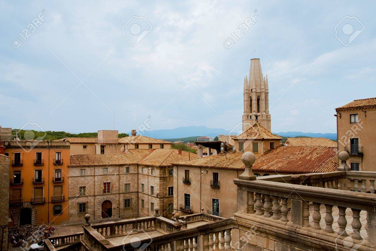 Panoramic view of old historic part of Girona, Spain Stock Photo - 4507701