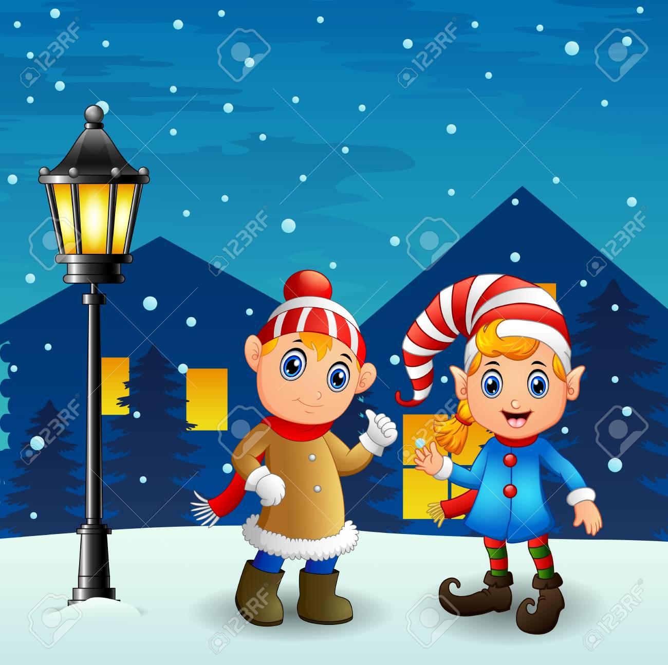 夜背景で落ちる雪とクリスマス エルフ カップルのベクトル イラスト