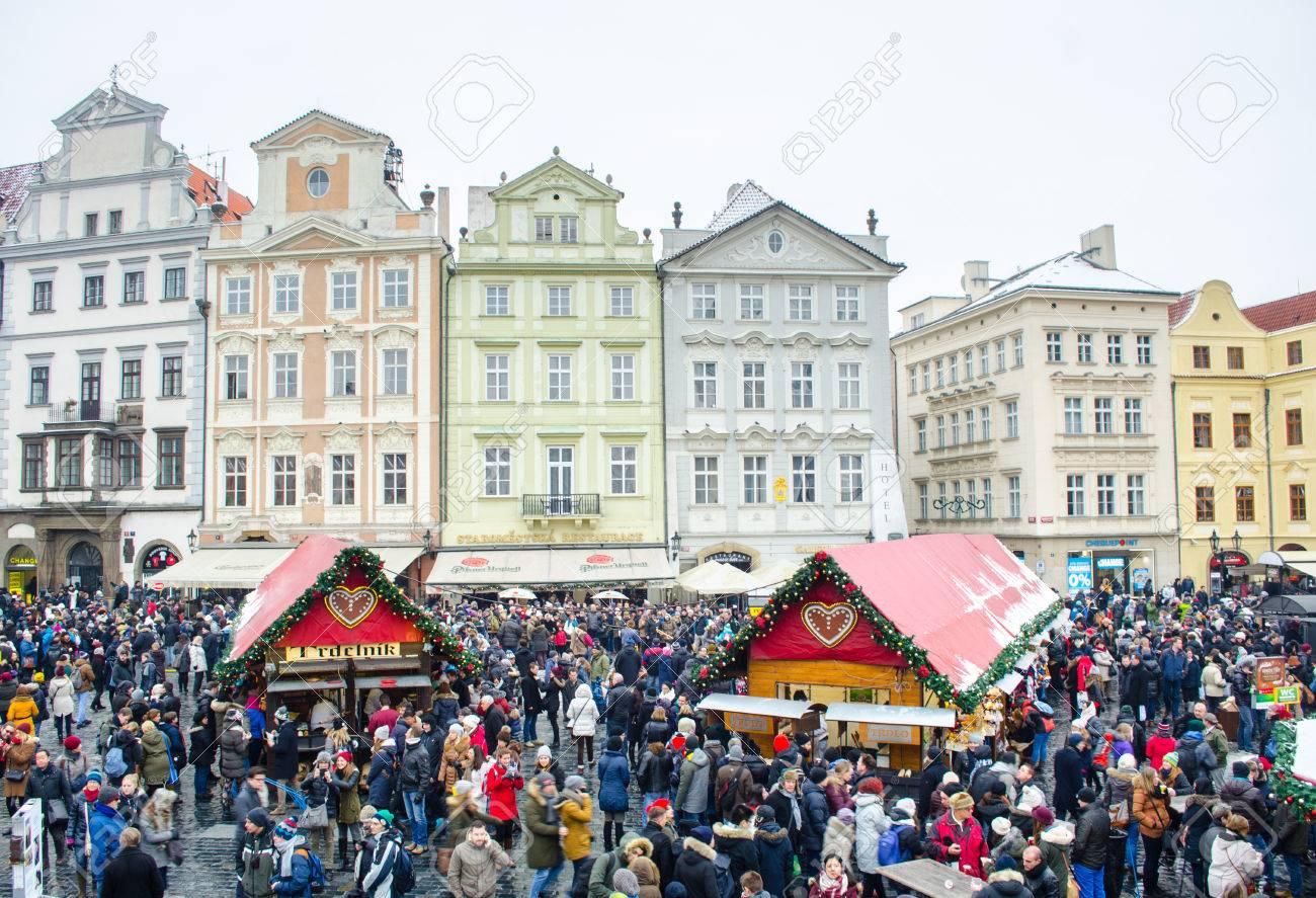 Praag Tsjechie 30 Januari 2015 Elk Jaar Kerstmarkt Is Op Oude Stadsplein In Praag Gehouden En Duizenden Toeristen Komen Er Om Wat Souvenier Kopen
