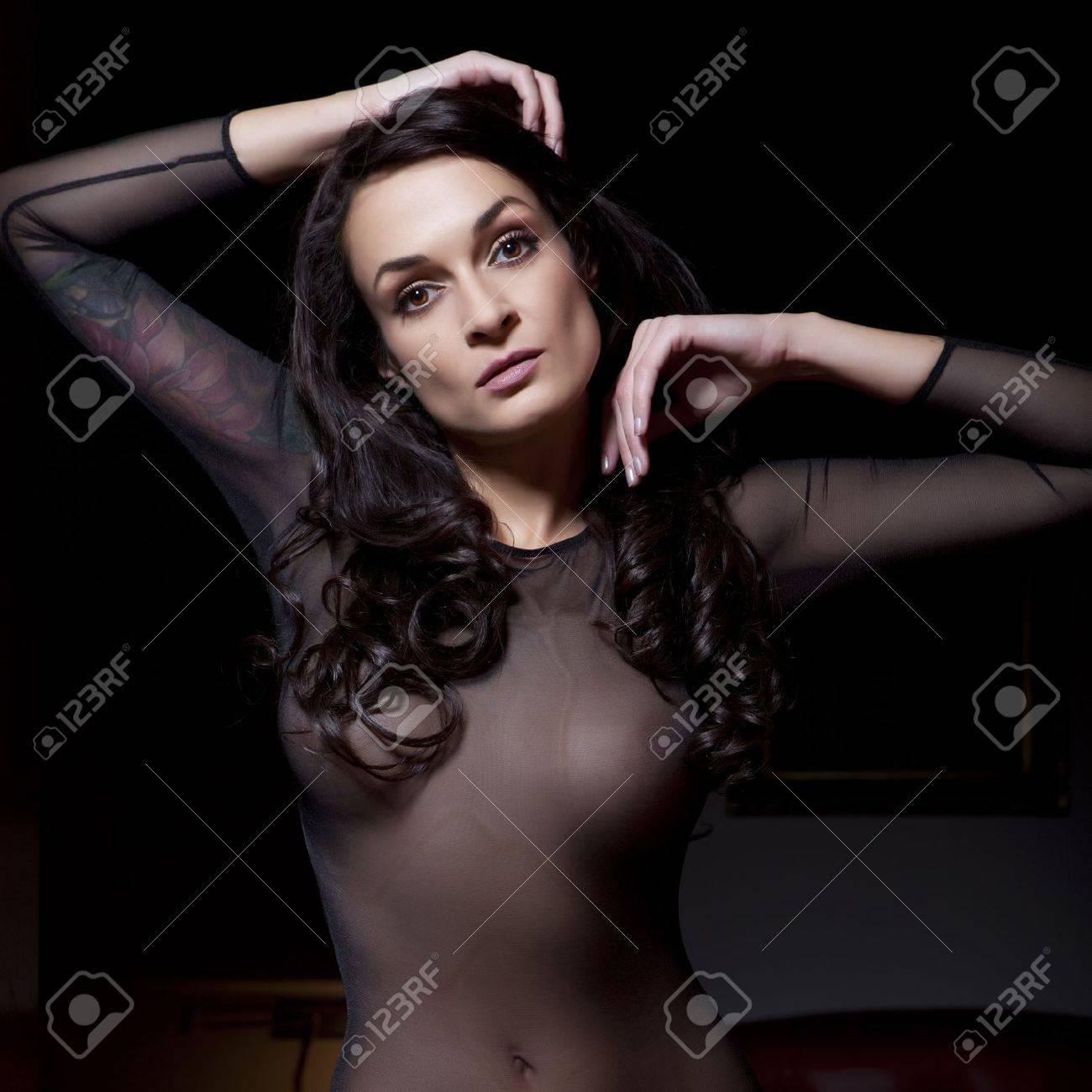 Сексуальные молодые женщины 27 фотография