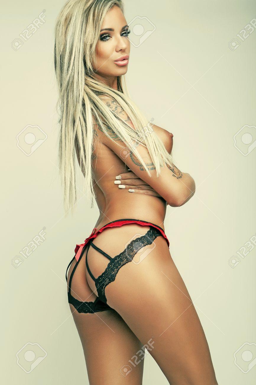 femme sexy sexe jeune fille en petite culotte
