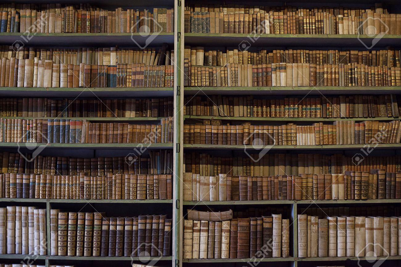 de l'ancienne bibliothèqueétagère en historiques livres Vieux bois N80nmw