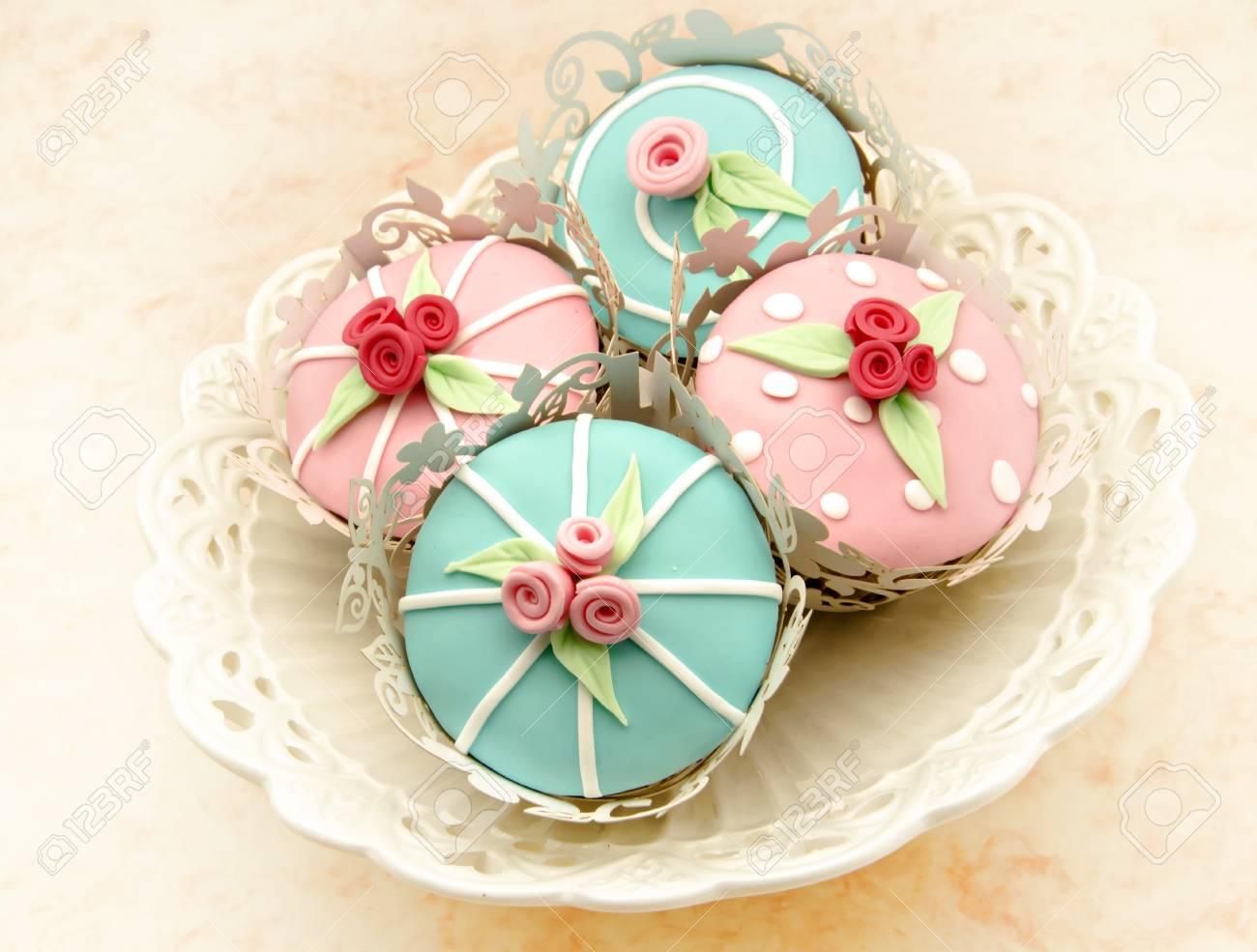 Valentine cupcakes Stock Photo - 17481934