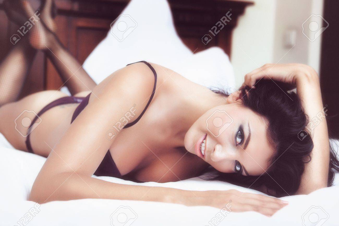Glamour portrait - sexy beautiful woman in lingerie Stock Photo - 12865877