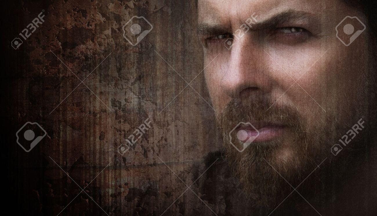 Retrato Artístico Sucio Del Hombre Fresco Con Ojos Bonitos Fotos