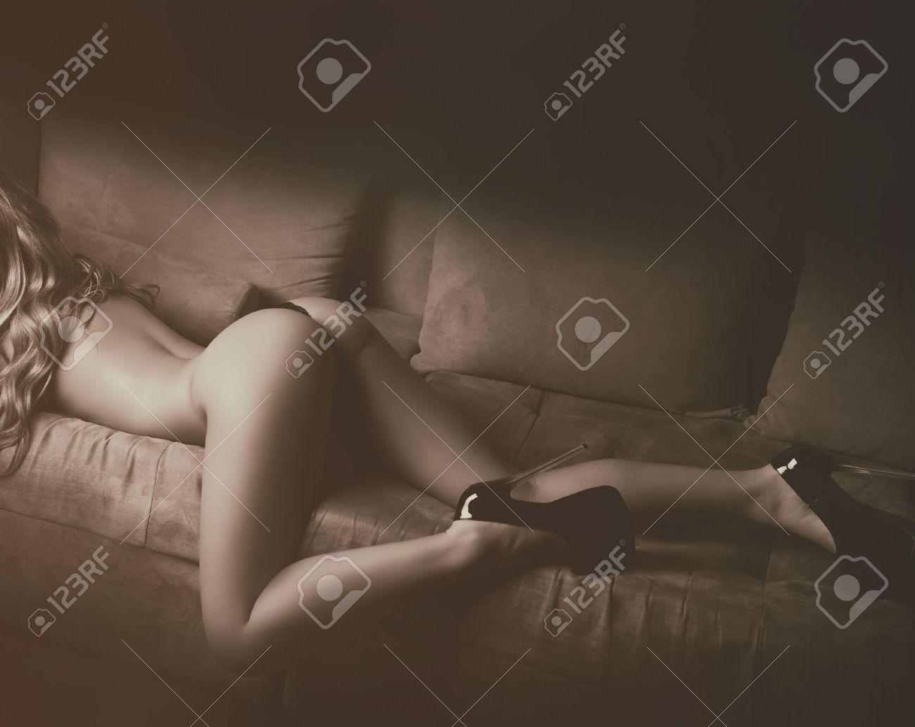 Po nackt mädchen