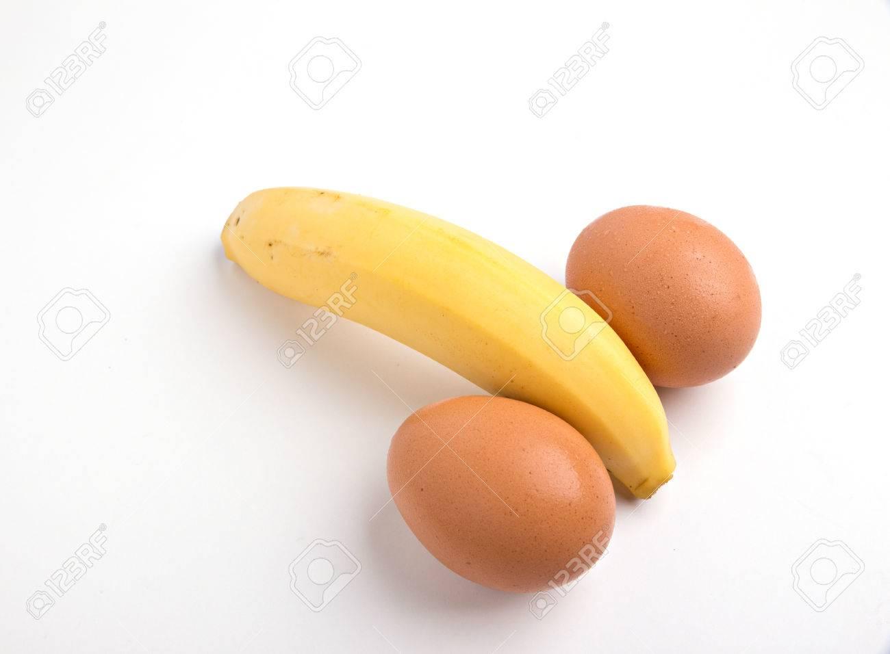 Сосет вместе с яйцами, Жена делая минет заглотнула член вместе с яйцами 22 фотография