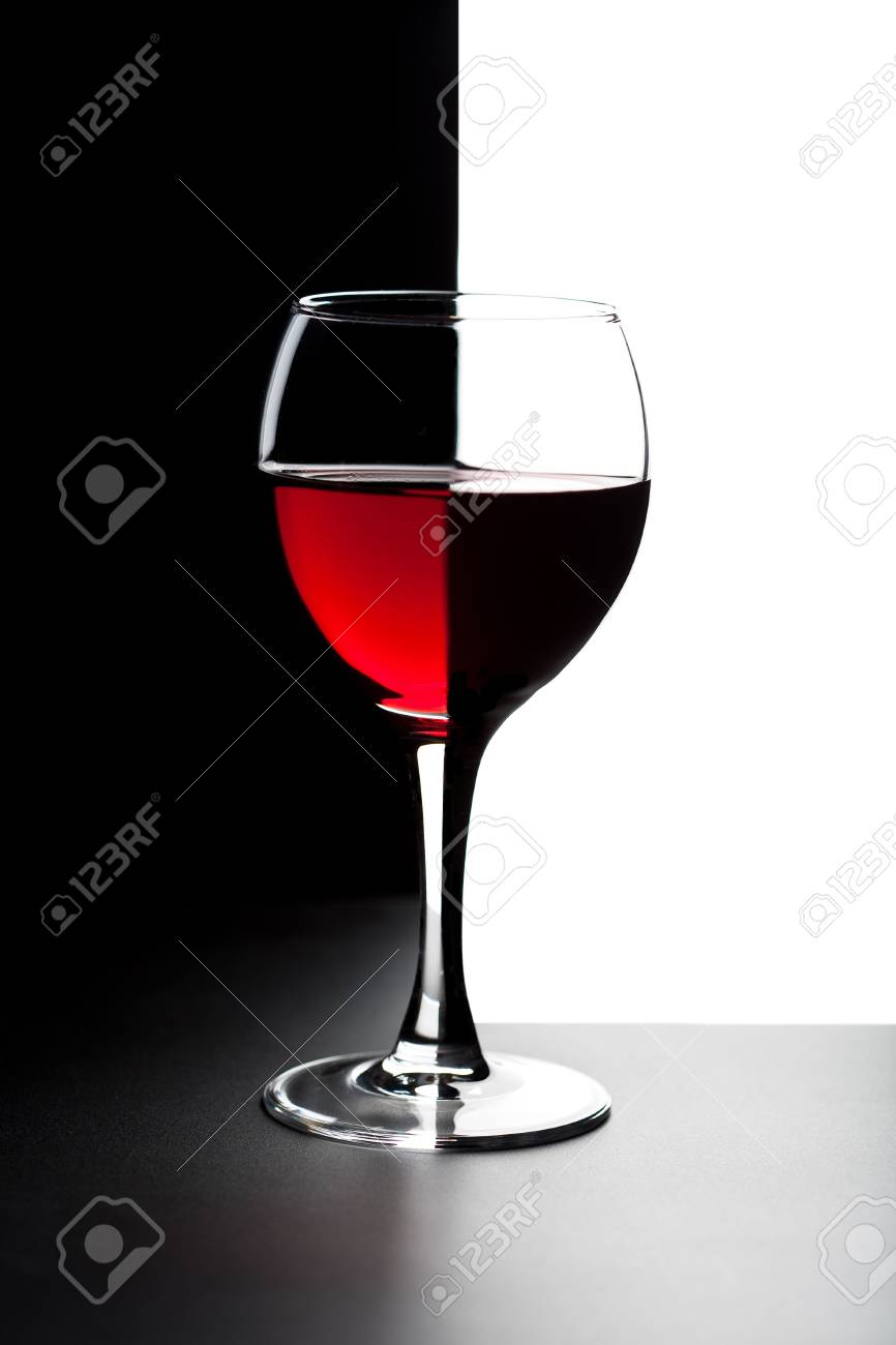 glass of red wine isolated Stock Photo - 4776015