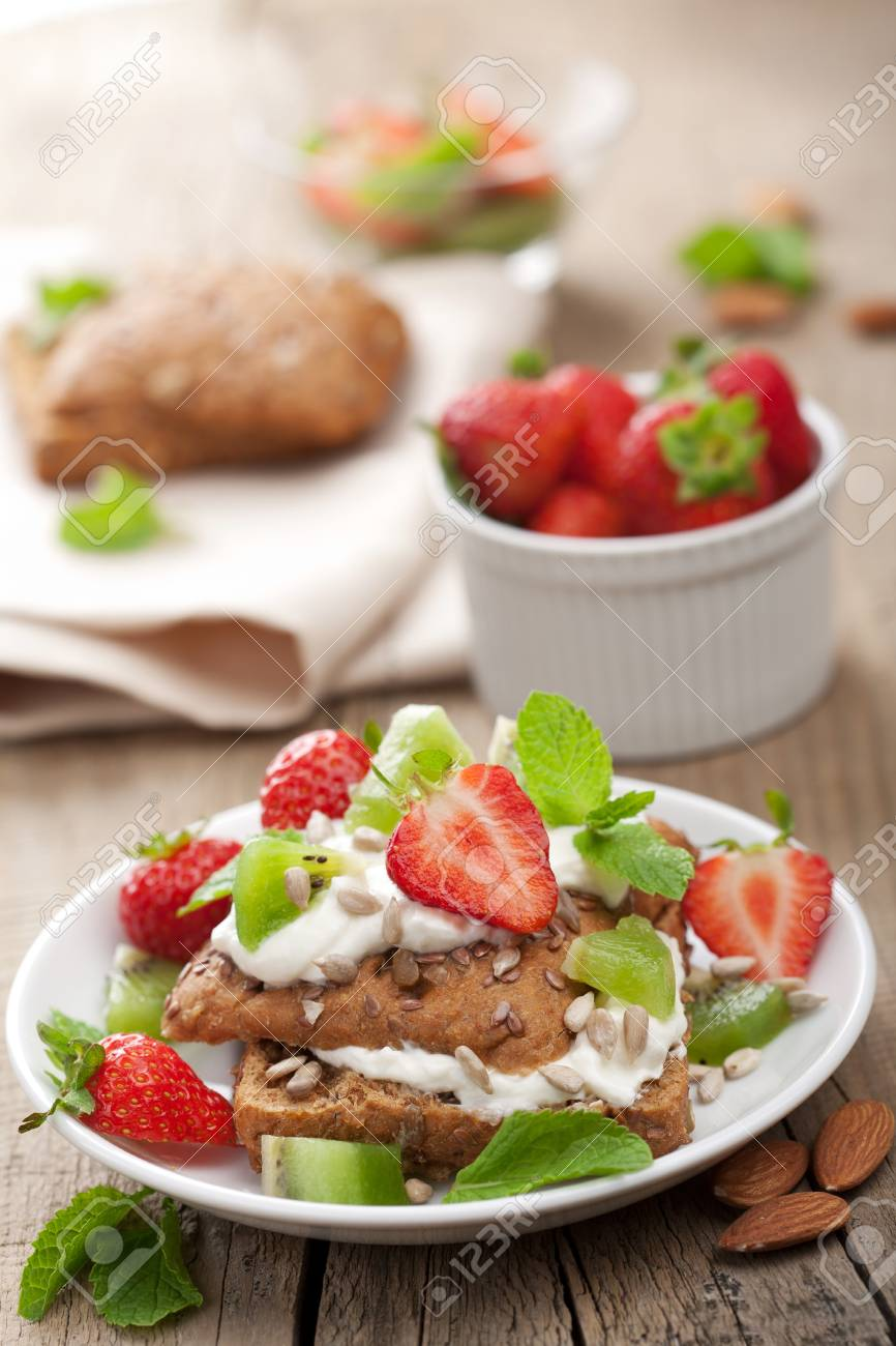 bread with cottage cheese and berries Stock Photo - 10512683