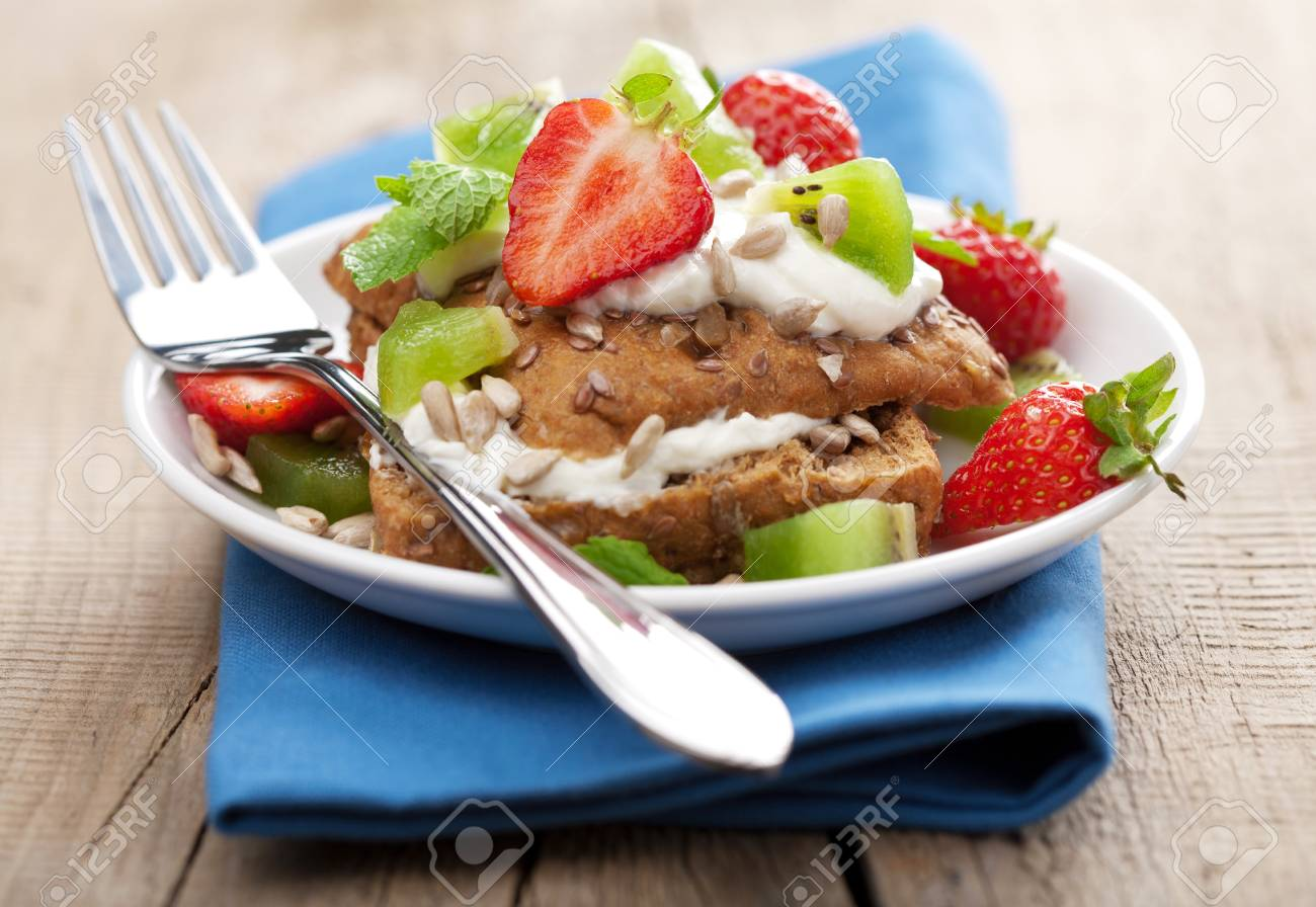 bread with cottage cheese and berries Stock Photo - 10883126