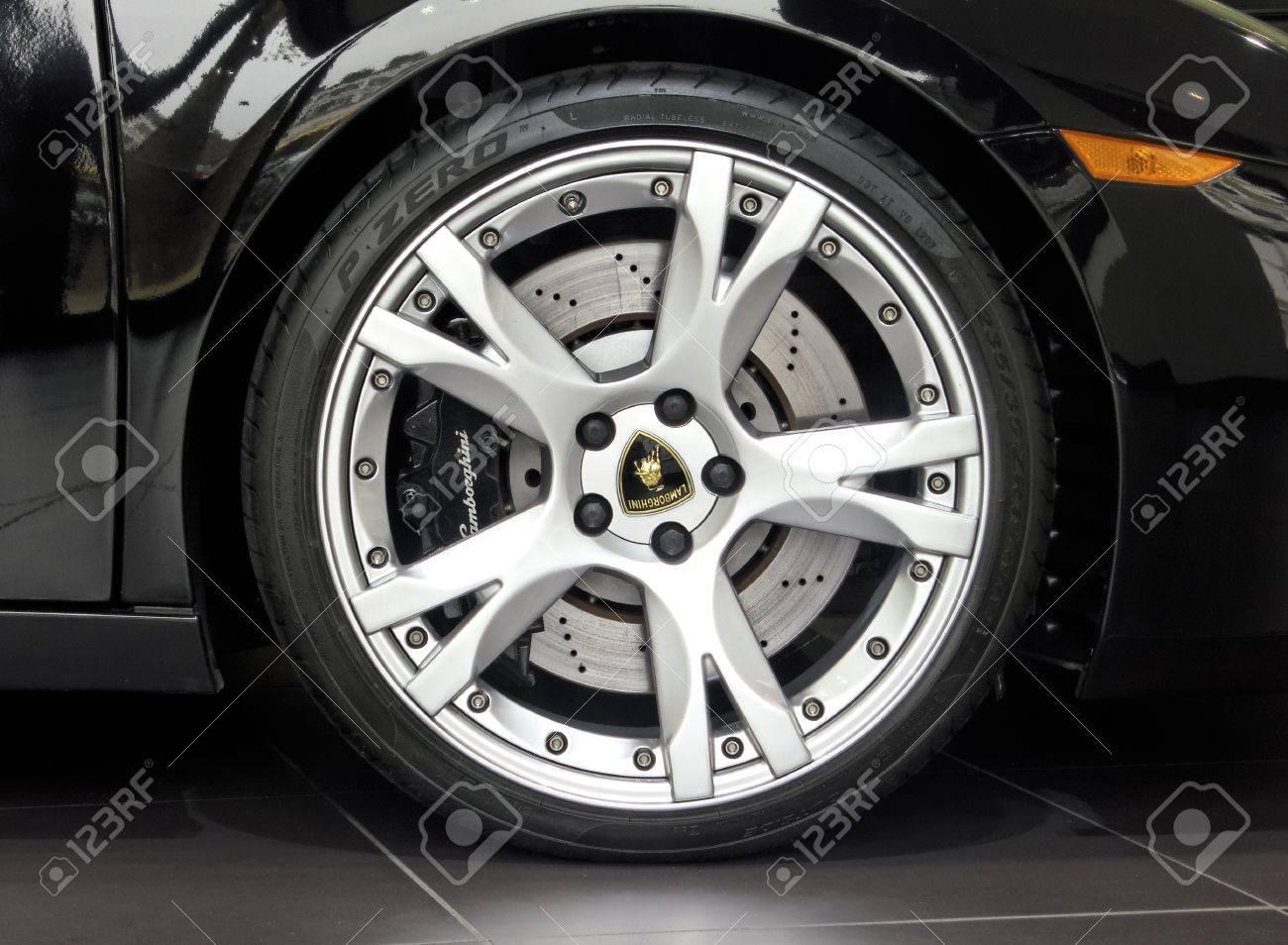 London Uk May 02 2012 Black Lamborghini Gallardo Wheel And
