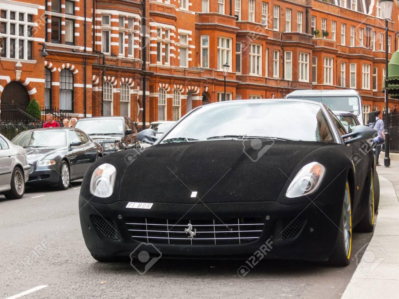 London Uk Circa August 2013 A Ferrari 599 Gtb Fiorano With A Black Velvet Wrap Banco De Imagens Royalty Free Ilustracoes Imagens E Banco De Imagens Image 35206740