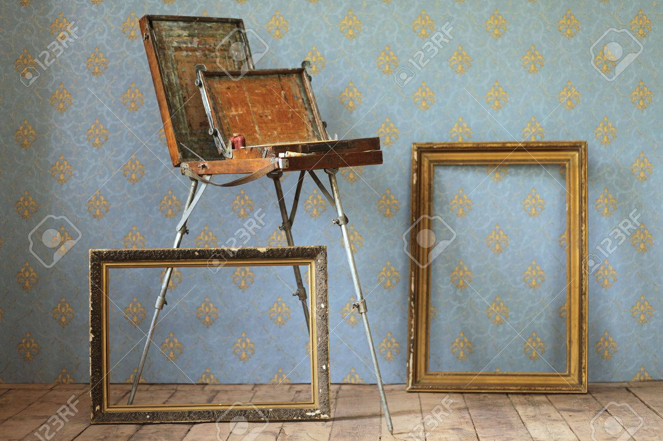 Old Wooden Painting Table Top Easel Stand, And Old Frames For Pictures, In  An