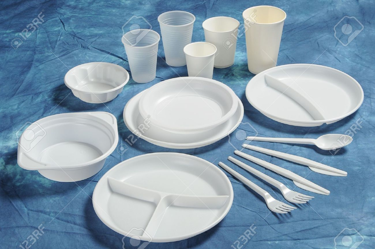 Stock Photo - Varieties of disposable plates cups and cutlery : disposable cutlery and plates - pezcame.com