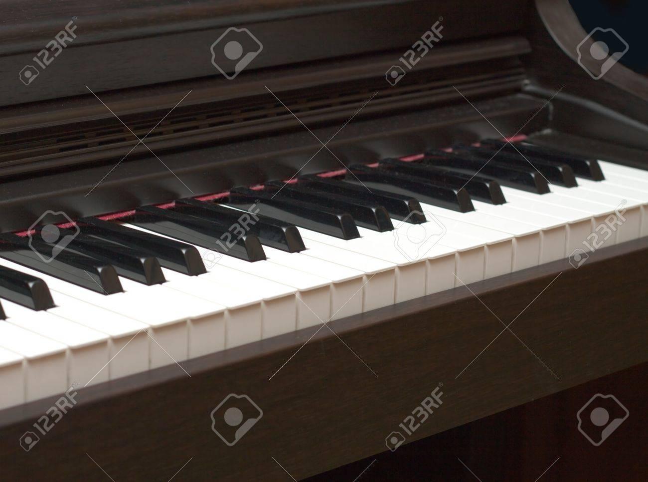 Piano keys closeup diagonal view Stock Photo - 16708697