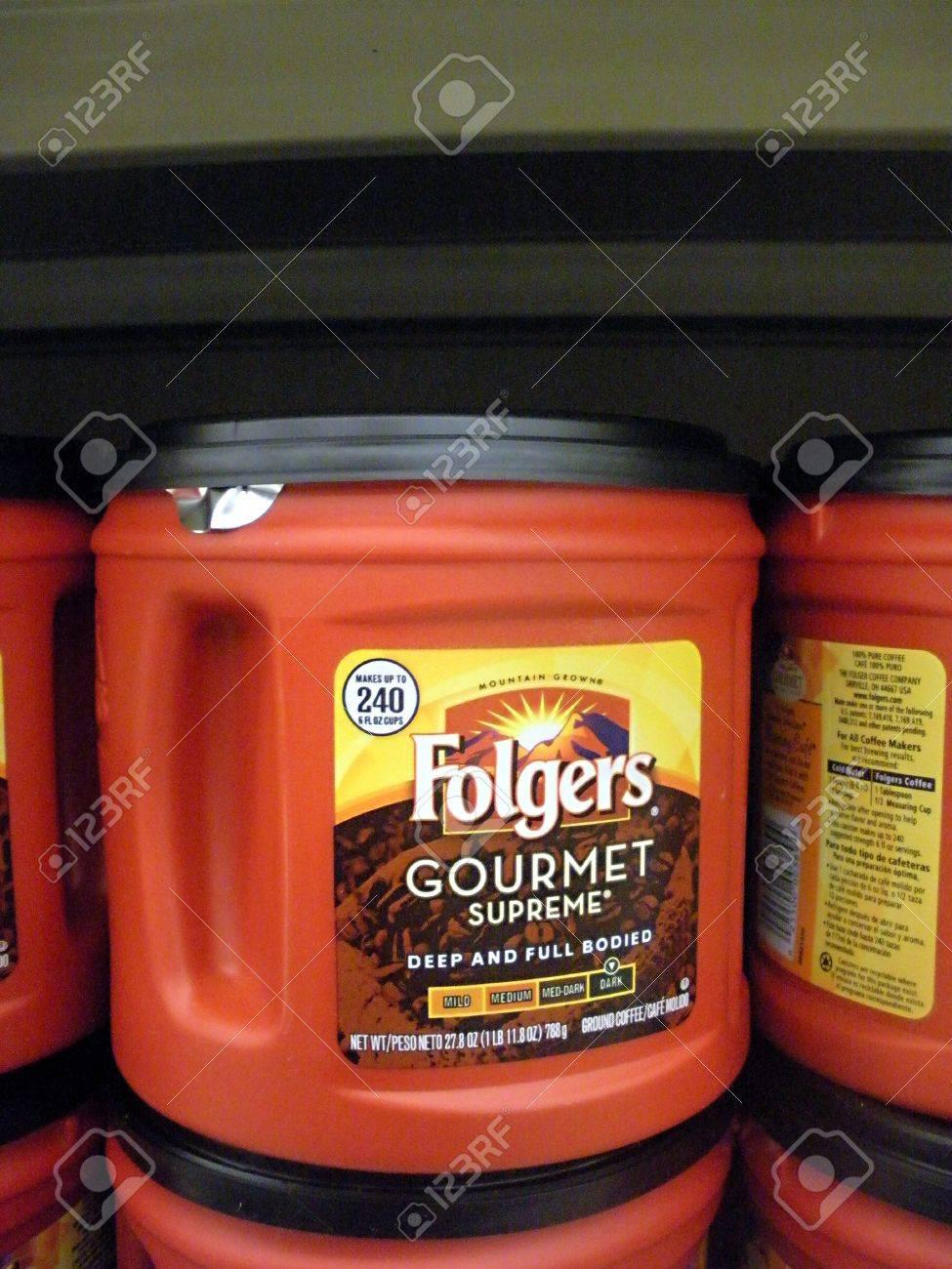 Lewiston IDAHO STATE EE.UU. _ Folger los precios del café bebedor bajos en el mercado alimentos inocuos manera super 26 de agosto 2011