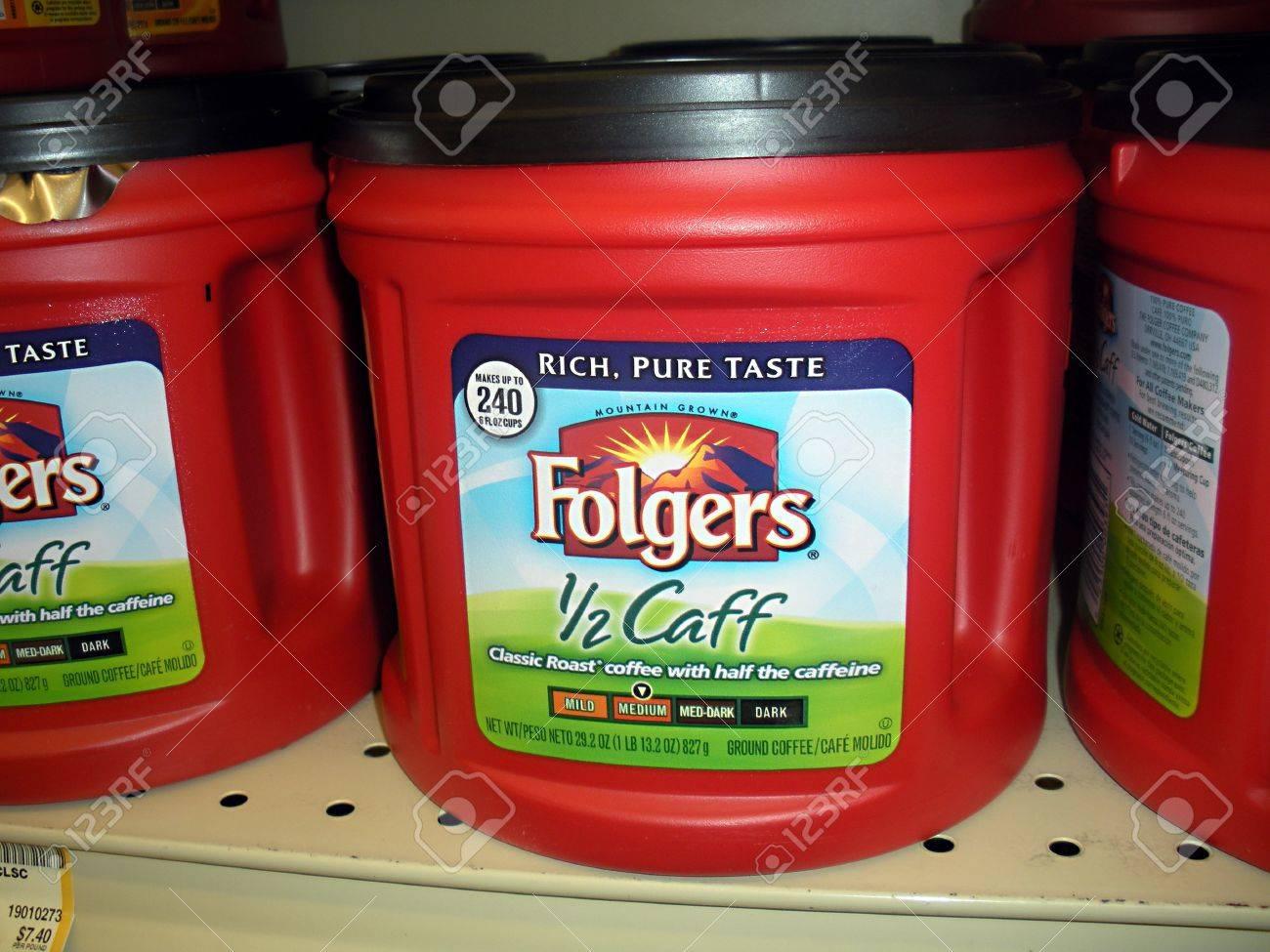 Lewiston Estado de Idaho EE.UU. _ Folger los precios del café bebedor de baja en el mercado de alimentos inocuos manera super 26 de agosto 2011