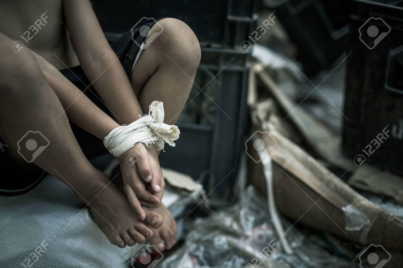 Deje De Abusar De La Violencia De Los Niños, Concepto Del Día De Los ...