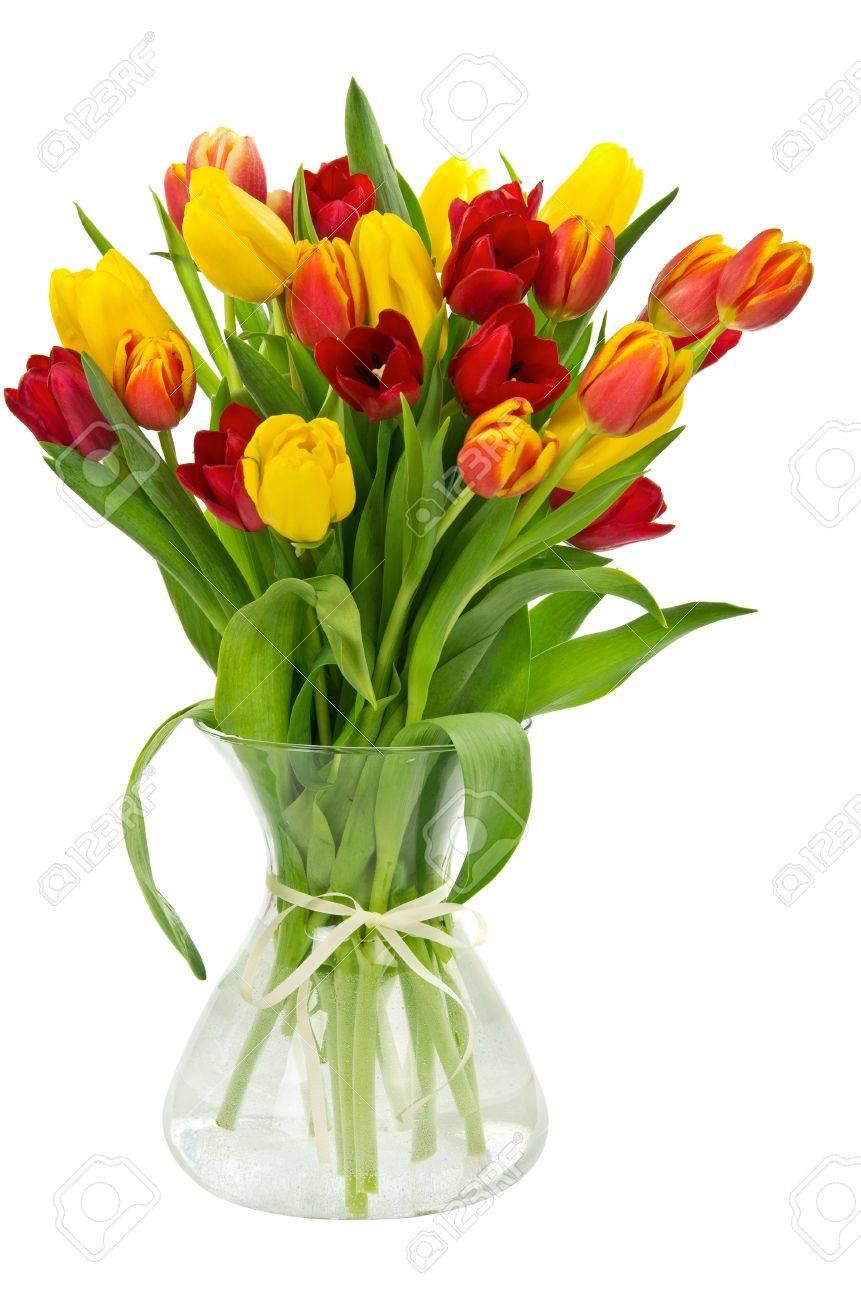 Tulpen Op Vaas.Kleurrijke Verse Tulpen In Vaas Op Wit Wordt Geisoleerd