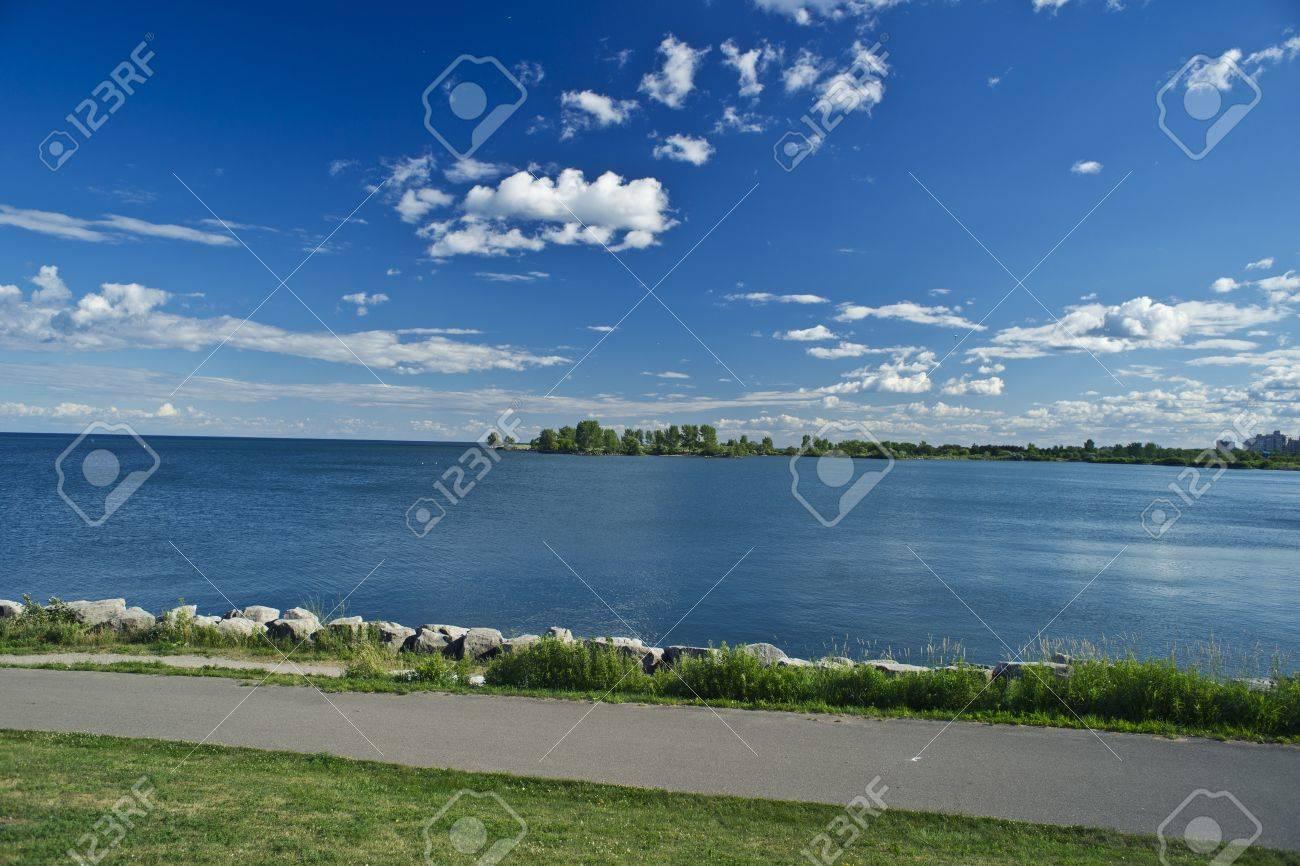 Lake - 22064035