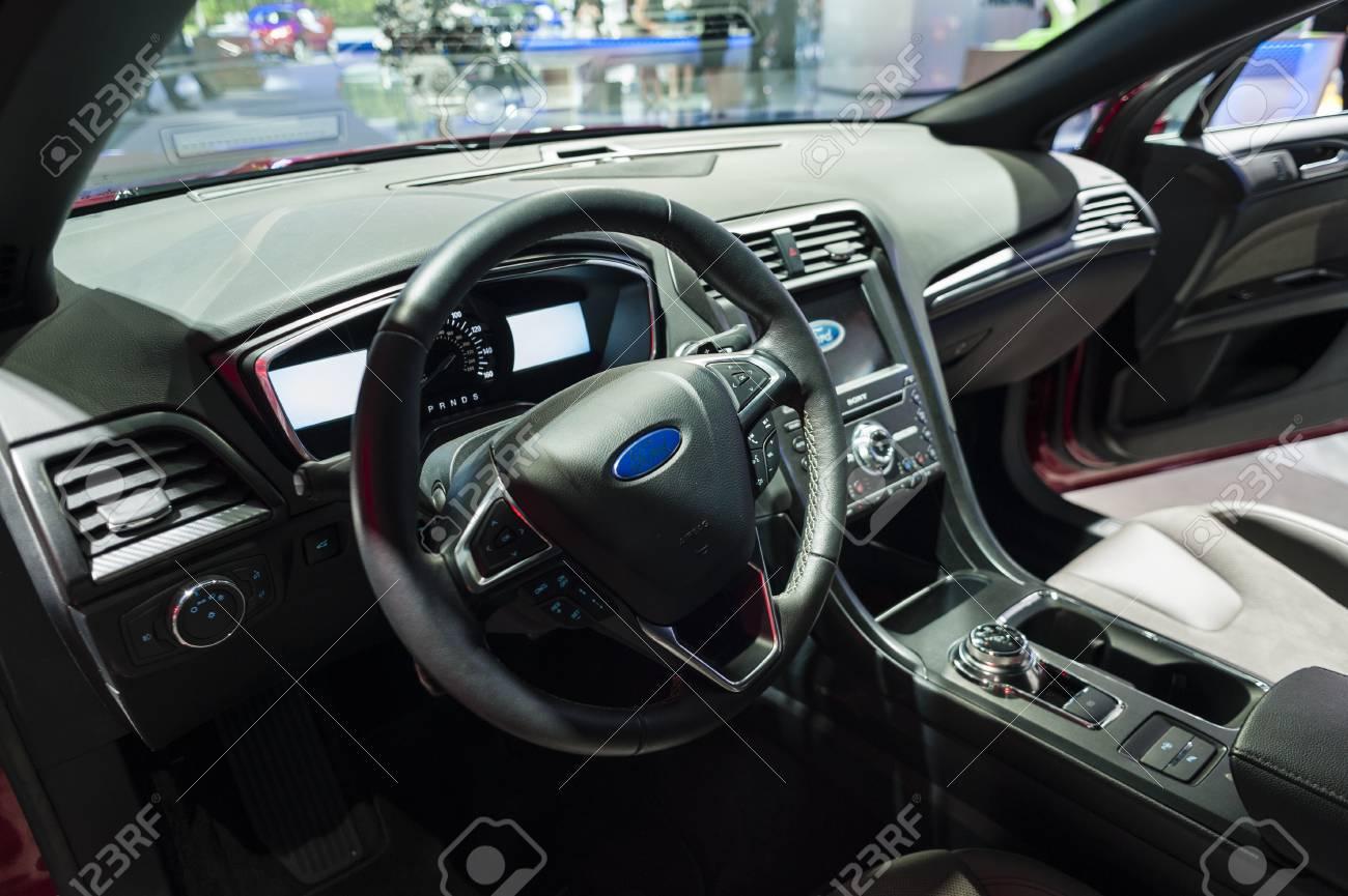 New York, USA - 23. März 2016: Ford Fusion Sport Interieur Auf Dem ...