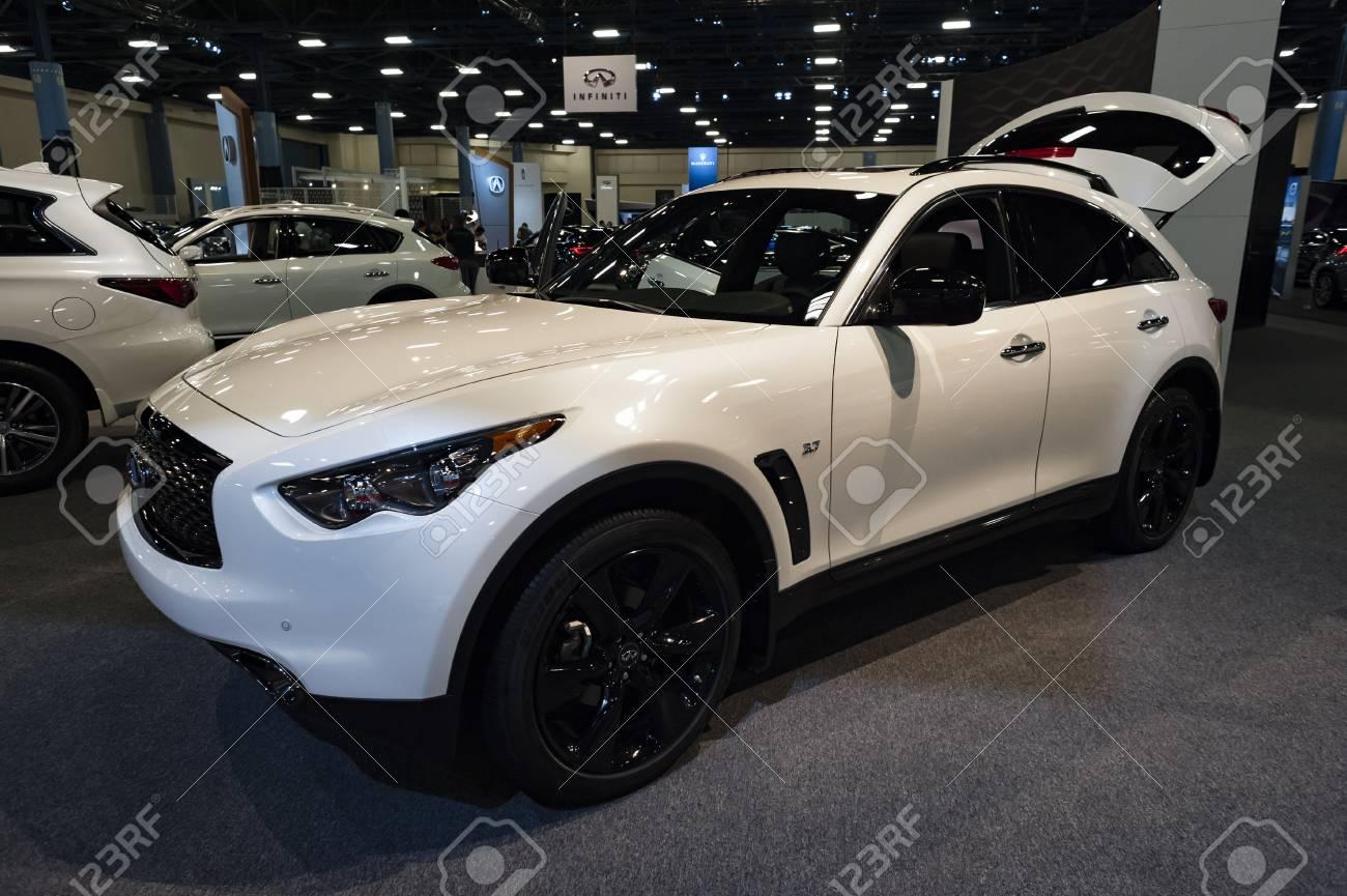 Infiniti Dealer Miami >> Miami Usa September 10 2016 Infinity Qx70 S Crossover On
